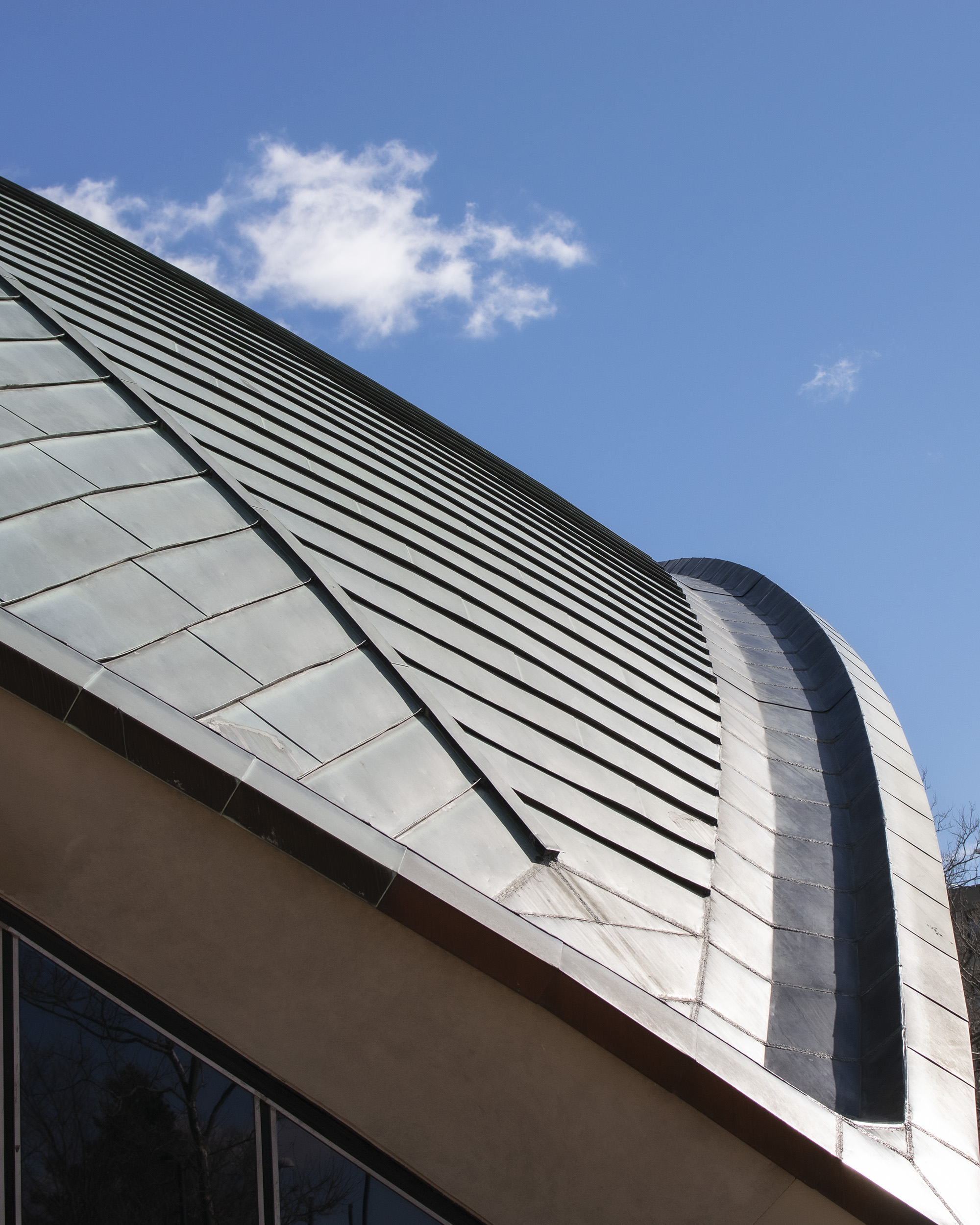 the roof of Kresge Auditorium on a sunny day